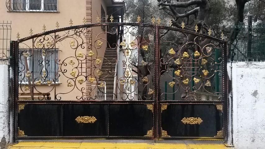 Bahçe Kapıları ve Korkuluklar